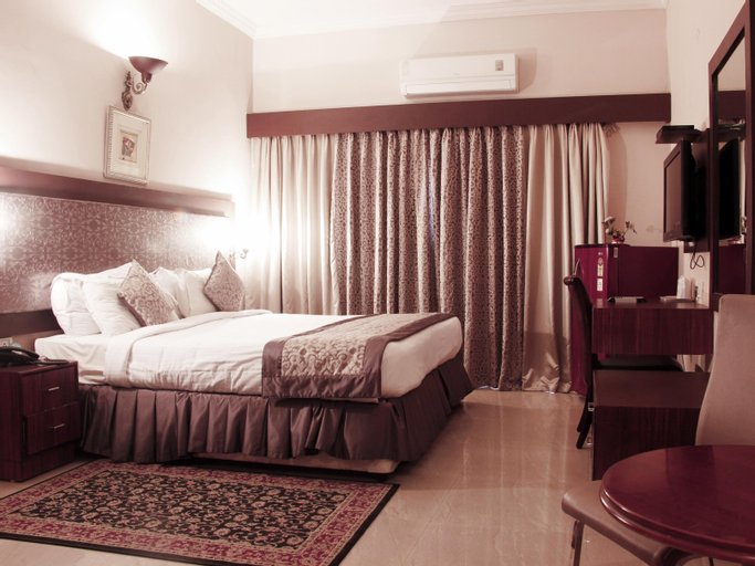 The DownTown Hotel, Hyderabad