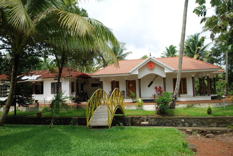 Coconut Creek Farm & Home Stay, Kottayam