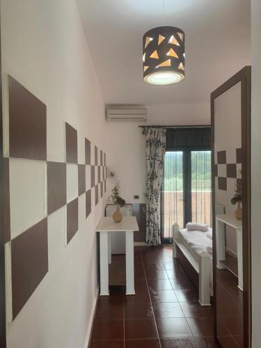 Divjaka Different Hotel & Restorant, Lushnjës