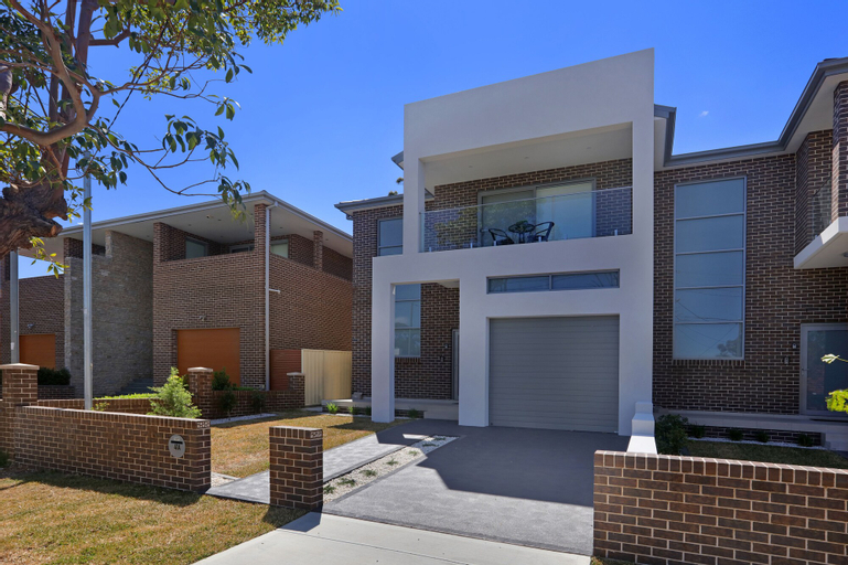 Greenacre Villas - Sydney, Bankstown - North-East