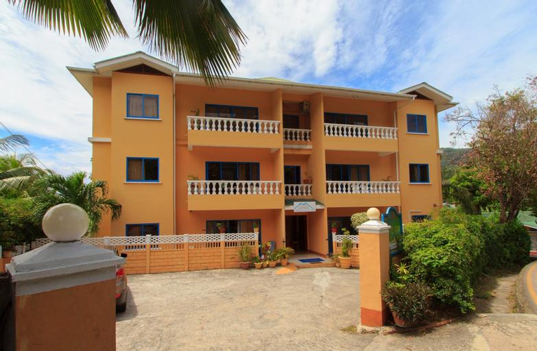 Vicky's Holiday Apartments,