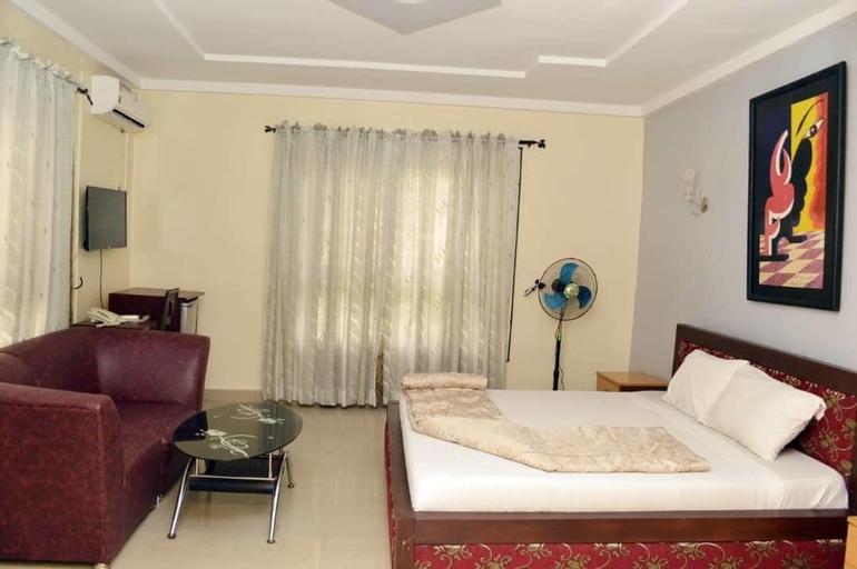 Queens Court Hotel, Ado-Ekiti
