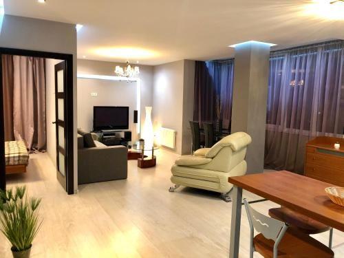Luxury apartments in the city center,near the park, Rivnens'ka