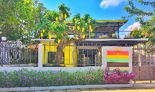 Peaceful and Colorful Bangalow in town along river, Muang Sukhothai