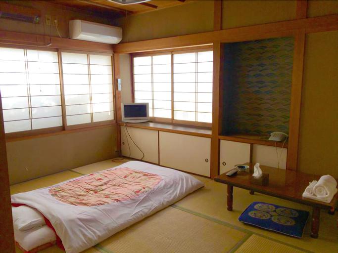 Guest House Kikusui Ryokan, Tamano