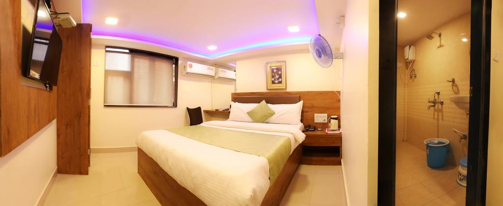 Hotel Happyland, Mumbai City