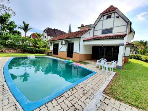 D Faro@ Resort Villa by BeeStay [10 pax], Alor Gajah