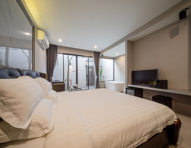 The Valen Resort, Lat Phrao