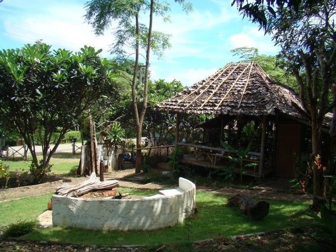 Re-wild House, Pai