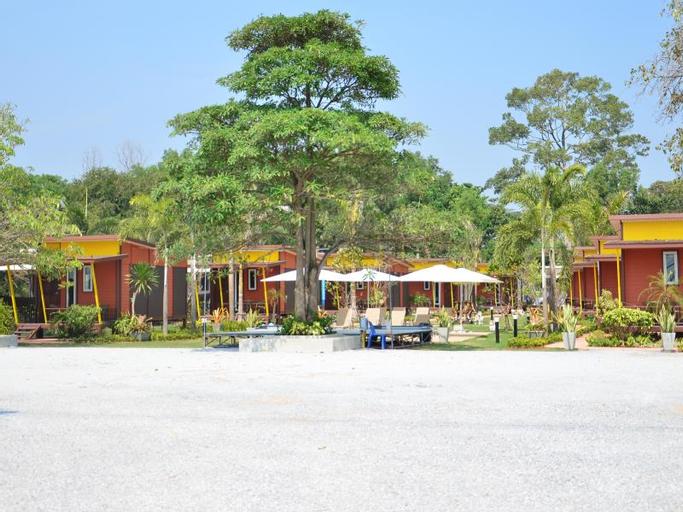 The Toy Art Resort, Klaeng
