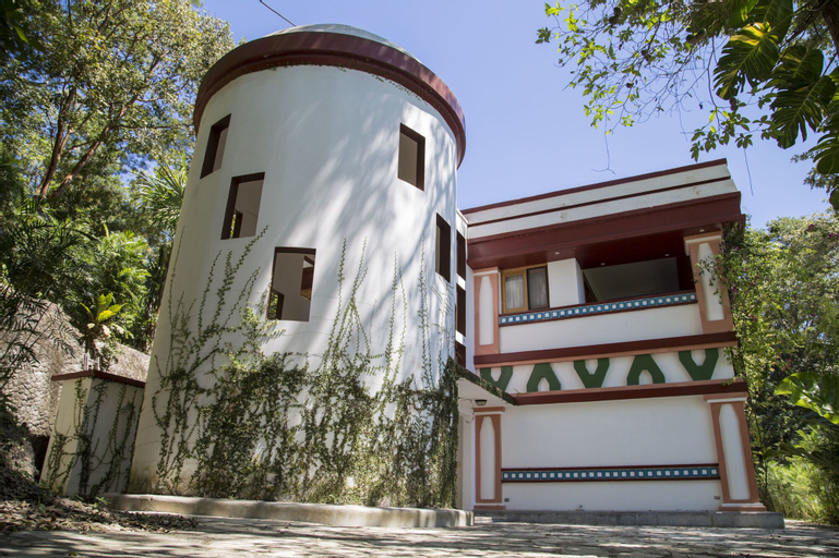 HOTEL GRINGO PERDIDO, Flores