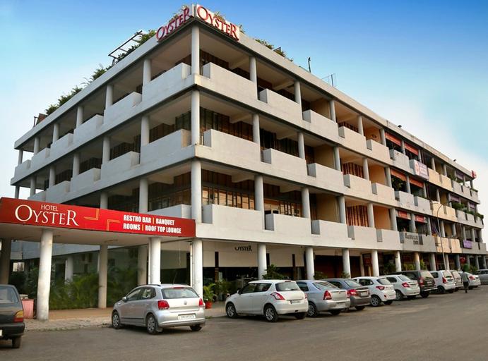 Hotel Oyster, Chandigarh