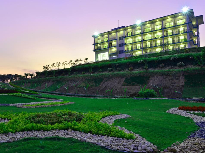 Grand Prix Golf Club (Pet-friendly), Bo Phloi
