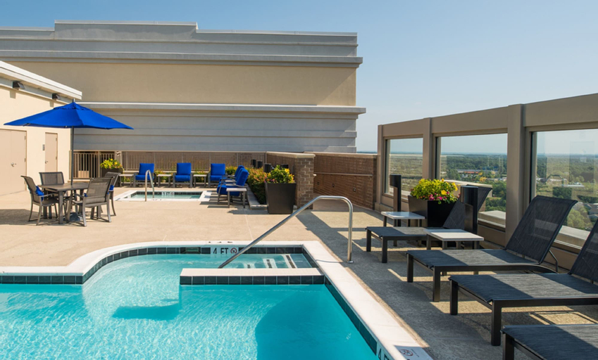 Global Luxury Suites at Town Center South, Fairfax