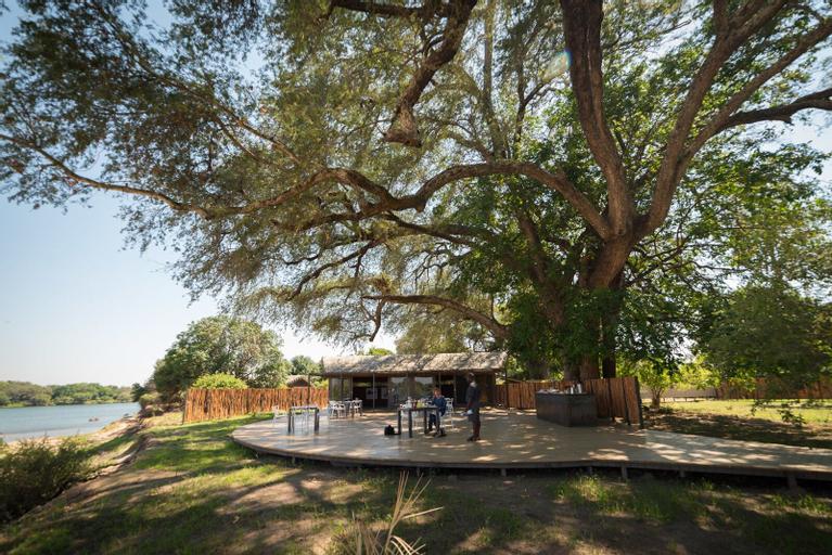 Chundu Island, Livingstone