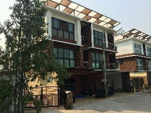 Private townhome every bedroom with private bath, Mueang Kamphaeng Phet
