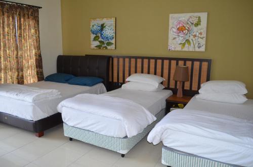 Gold Coast Morib Ain Studio, Kuala Langat