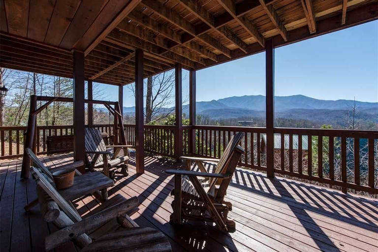 Majestic Point Lodge 5 Bedroom Mountain View Home with Hot Tub, Sevier