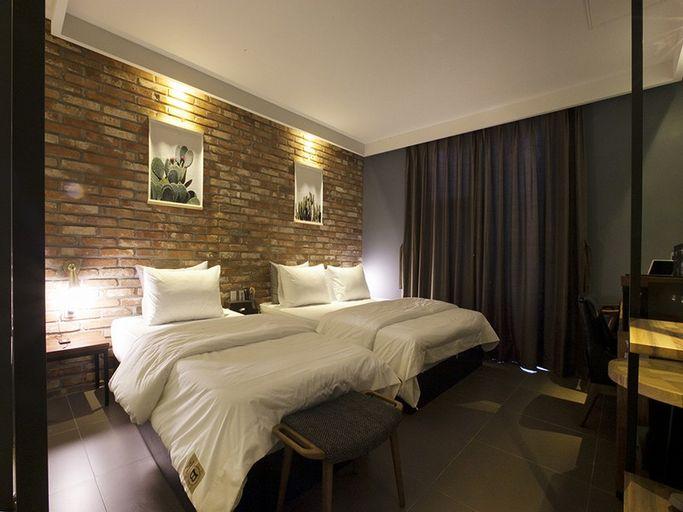 Brown Dot Hotel, Gimhae