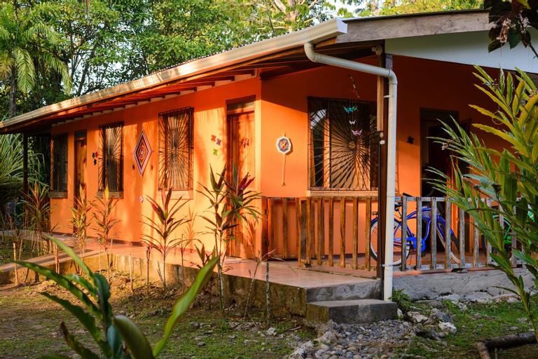 Cabinas Caribe Luna, Talamanca