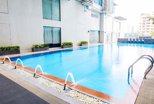 SERENA SUITES-9TH FLOORS, Makati City