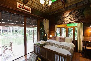 Baansuwanburi #3, villa with pond and pool view, San Sai
