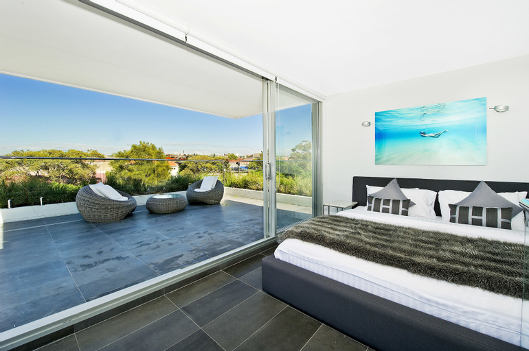 Bondi Beach Apartments, Waverley