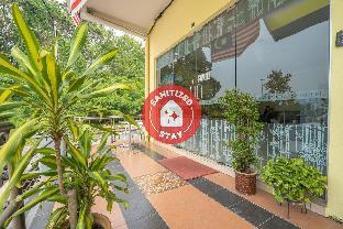 OYO 89328 SZ Hotel, Manjung