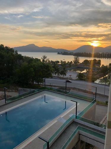 Marina Heights Seaview Resort, Manjung