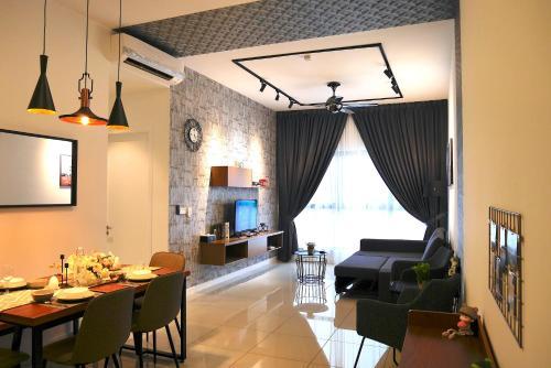 8-10pax Puchong Cozy Apartment WIFI 10 mins to Sunway 3R @NEW @Pavilion, Kuala Lumpur