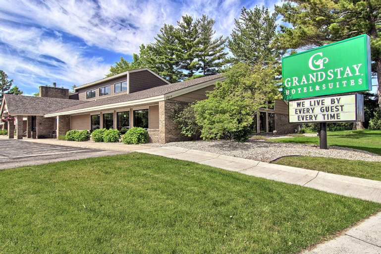 GrandStay Hotel & Suites of Traverse City, Grand Traverse