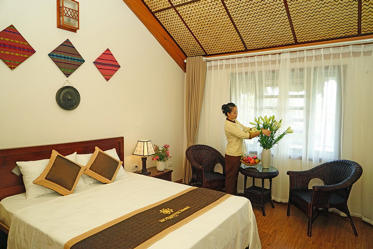 Hoa Binh Hotel, Hòa Bình