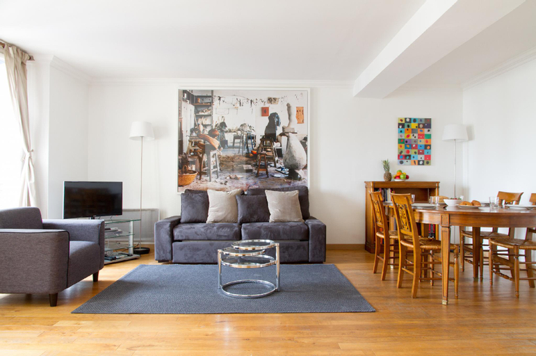ODEON VIEW- LOVELY 2BR IN ST. GERMAIN'S HEART, Paris