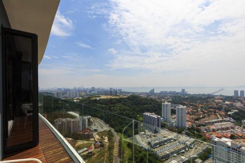 Fantastic Seaview @ THE YELLOW @ 3 Bedroom Arte S @ 500mbps WIFI, Pulau Penang
