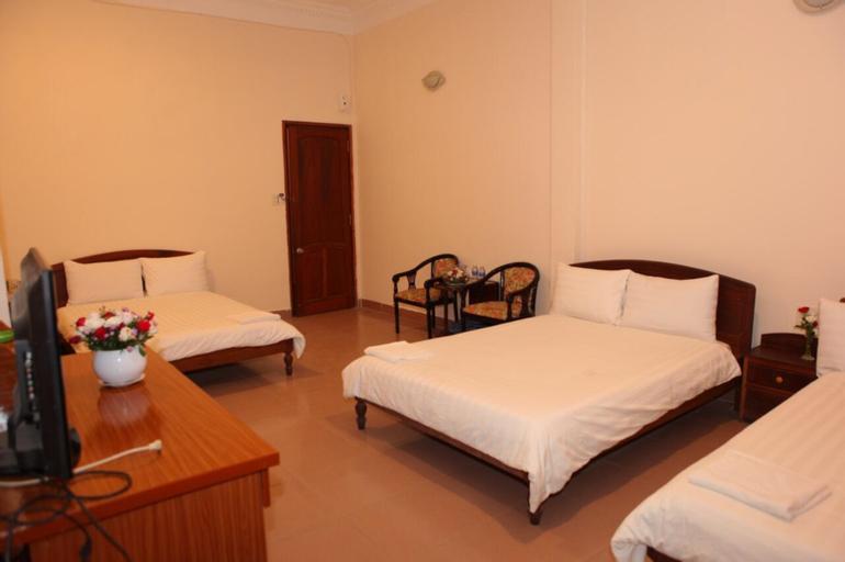 Quang Chien Hotel, Kinh Môn