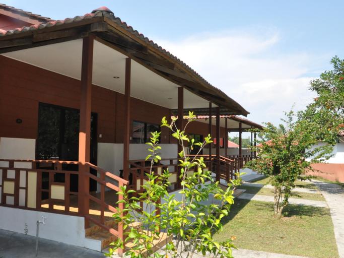 Vikri Beach Resort, Manjung