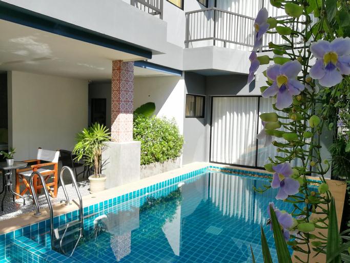 The Umbrella House, Pulau Phuket