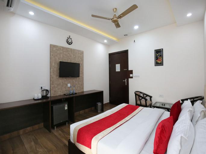 OYO 10027 Hotel Red Petal, Jalandhar