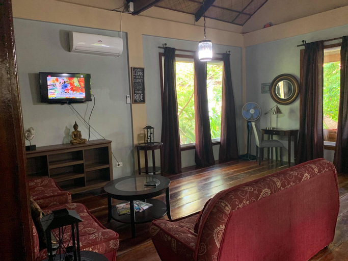 Superior Vacation Home by Siargao Residency, General Luna