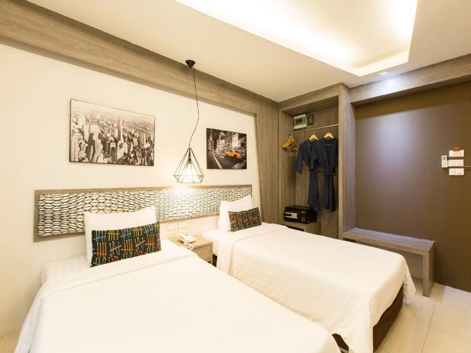 Golden Dragon Suvarnnabhumi Hotel, Bang Plee