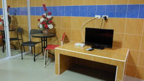 D5 Hotel สาขา มาบโป่ง, Phan Thong