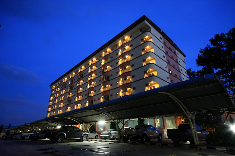 TS Home Building Apartment, Krathum Baen