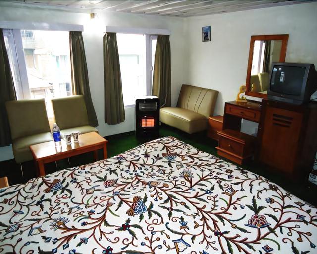 Hotel Volga, Anantnag