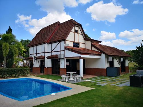 Luxury Resort Villa 1069, Alor Gajah