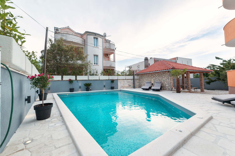 Apartments Martina 2, Vodice