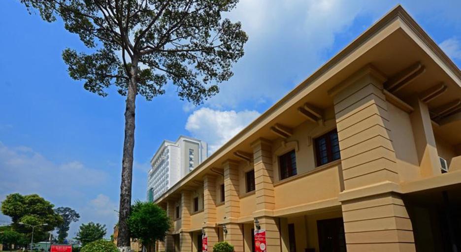 Tan Son Nhat Hotel, Phú Nhuận