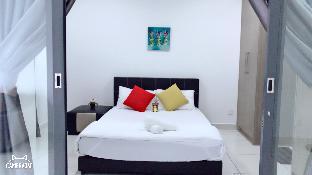 [As Home]1Tebrau 28th -Midvalley/CIQ/2-4paxs, Johor Bahru