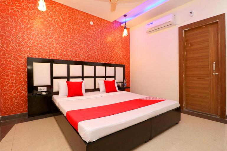 OYO 27916 Hotel Bubbles, Jalandhar