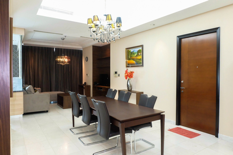 Luxury 3 Bedroom The Peak Apartment By Travelio, South Jakarta