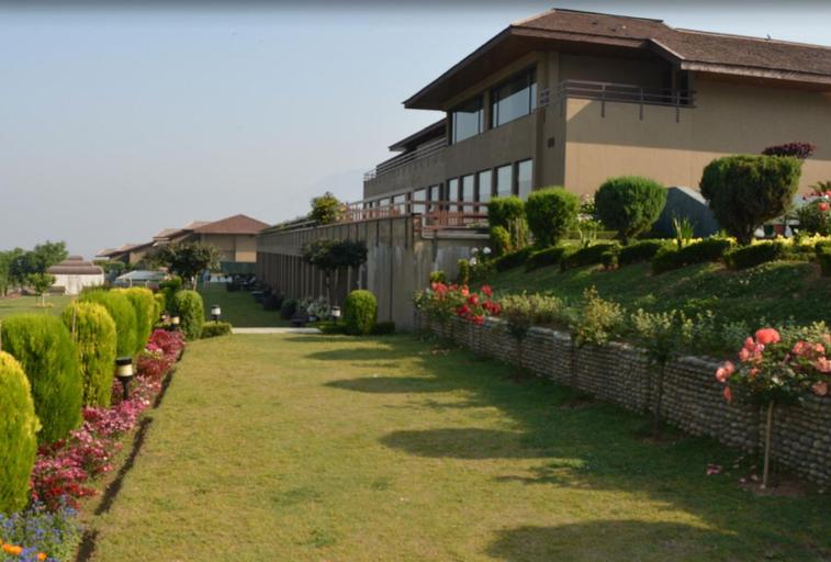 Vivanta Hotel By Taj-Dal View (Pet-friendly), Srinagar